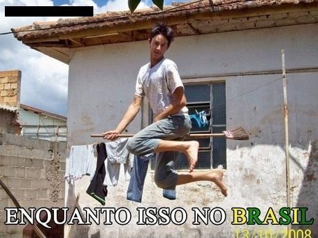 Harry Potter Brasileiro voando com a vassora