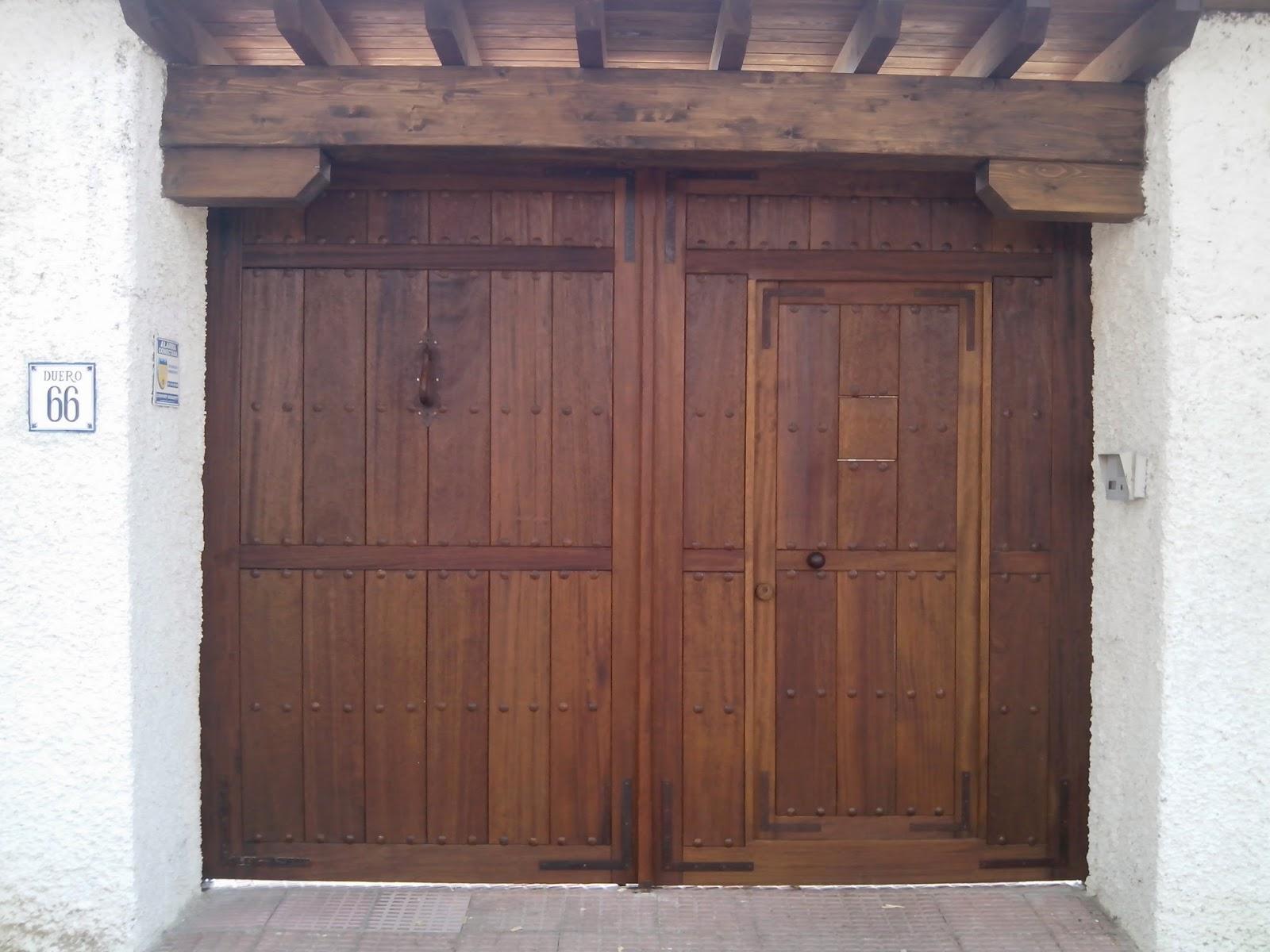 portones de madera fabritecma