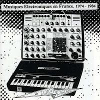 El sintetizador EMS Synthi AKS en la portada del recopilatorio Musiques Électroniques en France. 1974-1984