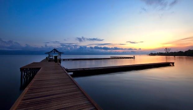 Danau Matano merupakan danau terdalam di Indonesia