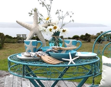 coastal cottage tablescape outdoors