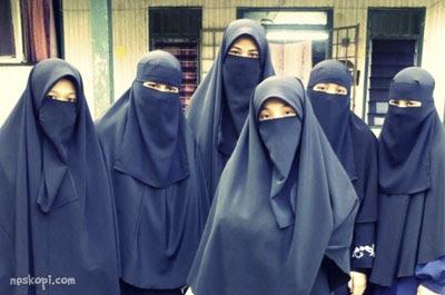 beragama dengan agama islam