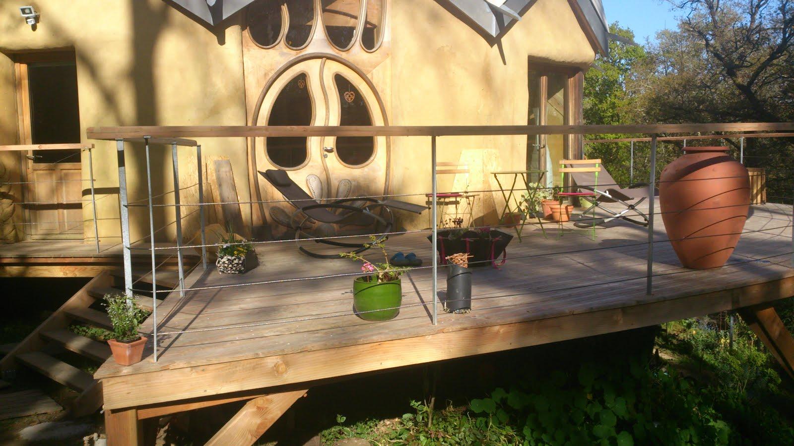 Notre zome se répare et s habille d une magnifique terrasse Il est
