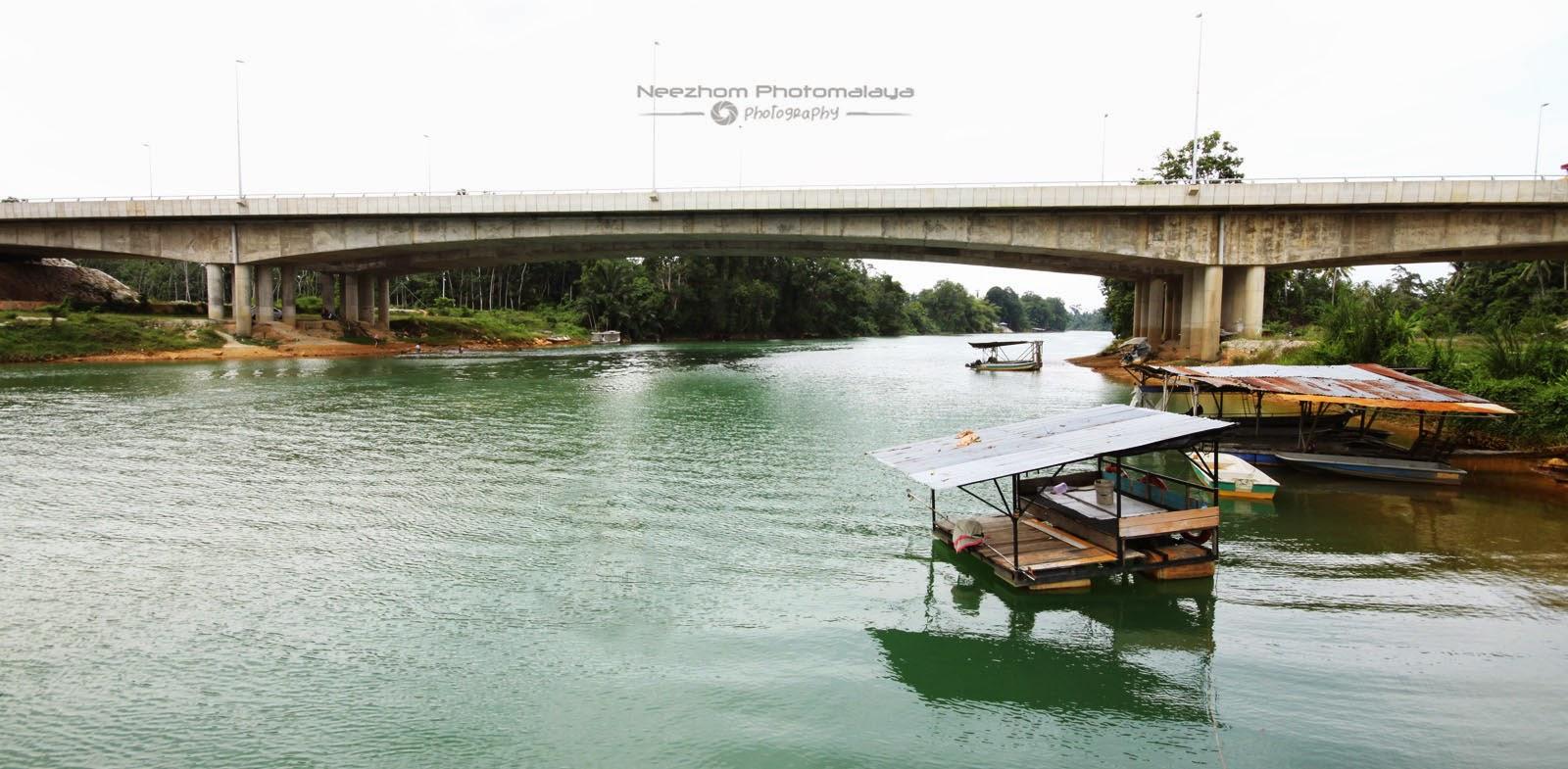 Jambatan Lebuhraya di kampung Jeram, Manir
