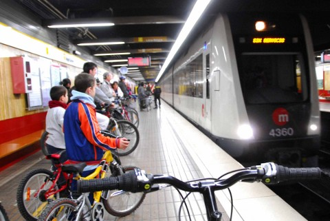 Metrovalencia amplía el permiso de viajar con bicicletas a todo el fin de semana y festivos