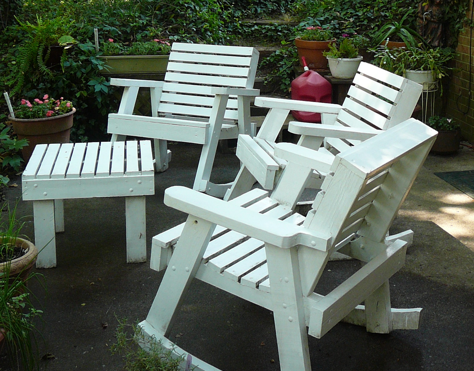 The hidden pantry cleaning painted wooden outdoor furniture for Wooden garden furniture
