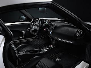 Gli interni della nuova Alfa Romeo 4C Launch Edition