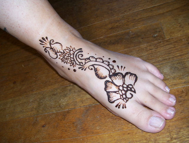 Leg Mehndi Simple : Good mehendi designs for feet