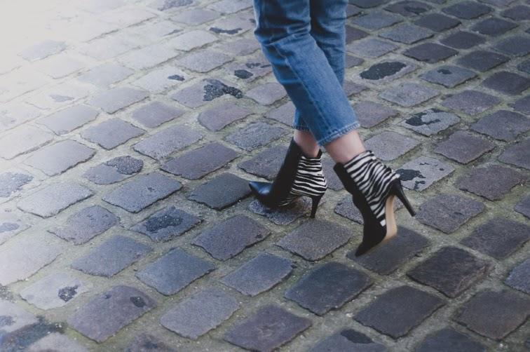 The Blab zebra print boots, cobble stone, crop denim