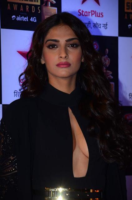 Sonam Kapoor Hot Cleavage Picture