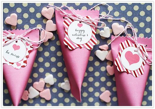 diy valentines candy pouch