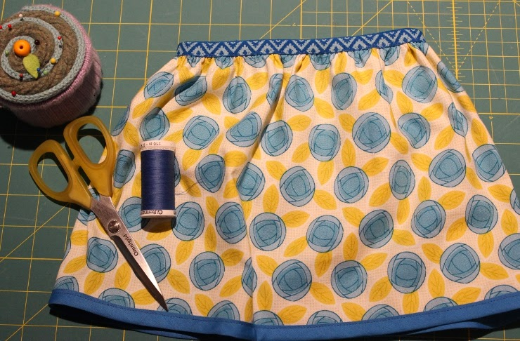http://www.sewmaris.com/tutorials/tutorial-easy-1-hour-skirt