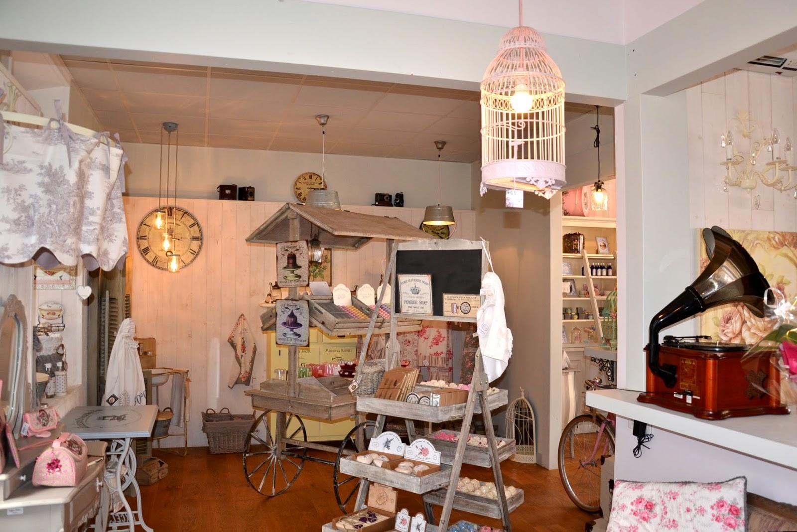 Histoire des commerces de milly la foret n 8 bis rue saint jacques original antic fabric - Decoration interieure man of cloth ...
