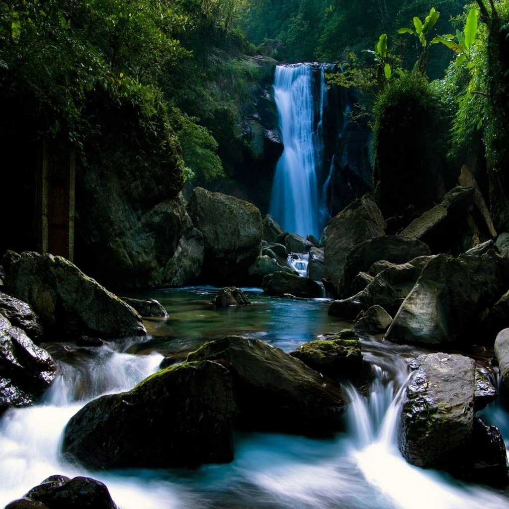 http://3.bp.blogspot.com/-b9FeAPBVUpE/Tm4EAG6YmPI/AAAAAAAABz8/bQXWnQFBeS8/s1600/rocky-waterfall-wallpaper-ipad.jpg