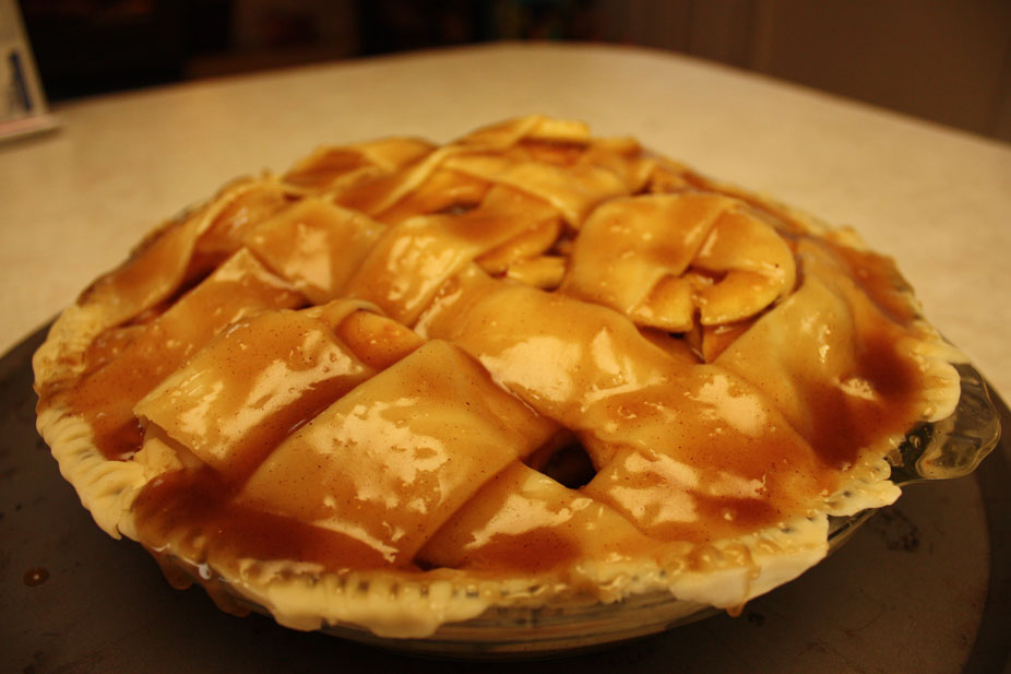 Mormon Mavens in the Kitchen: Momo's Apple Pie