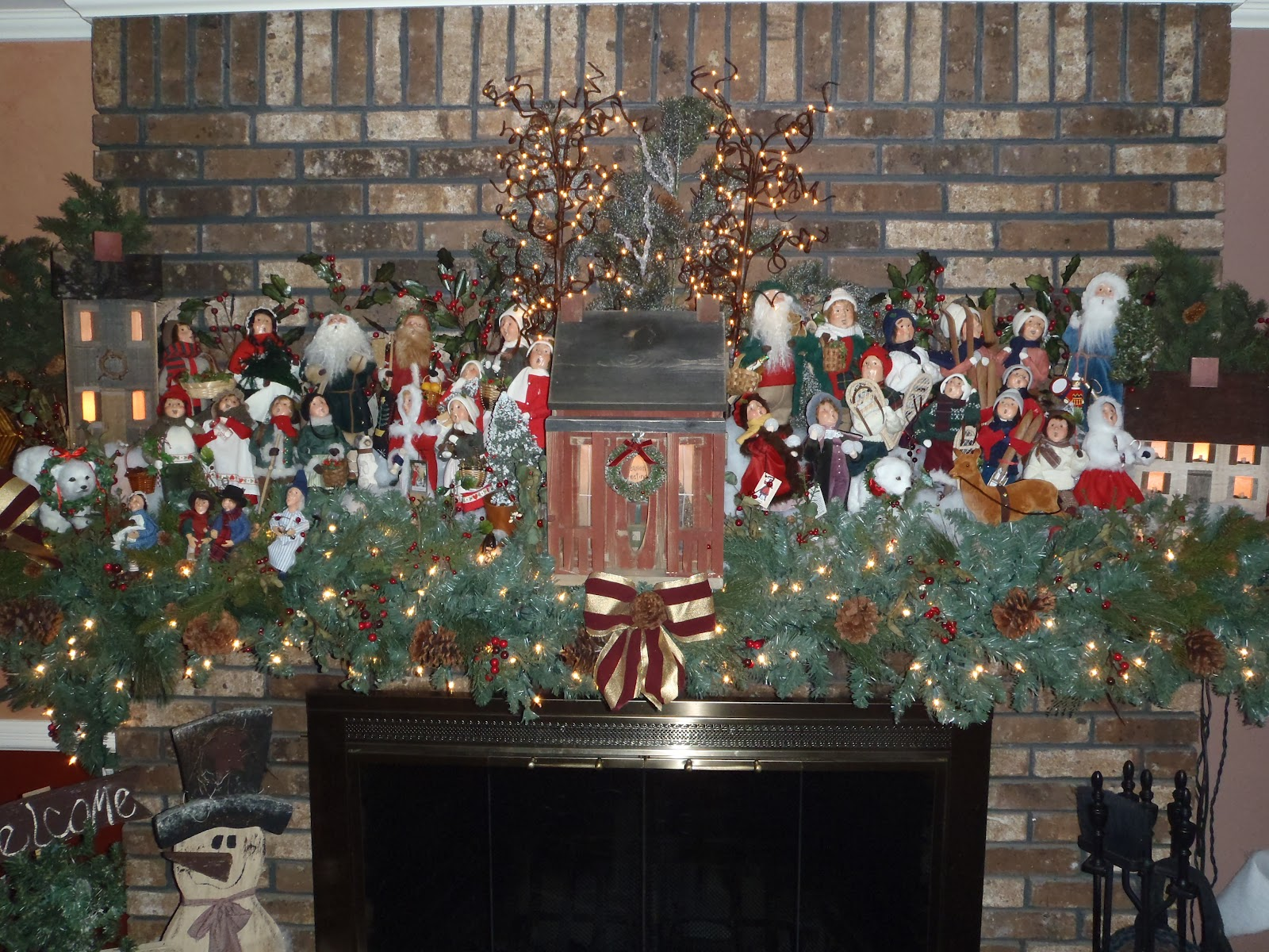 thank you so much for sharing your collection with the caroler community - Christmas 365