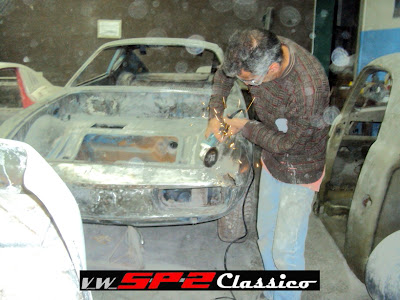 Restaurando a frente do Volkswagen SP2_a