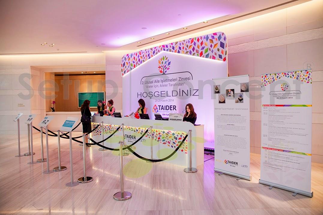 karşılama deski, sahne dekor, sahne tasarım, lansman, event, organizasyon, sahne,