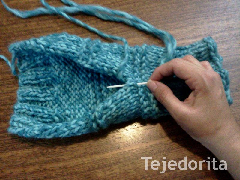 Polainas com pompones - Dos agujas | Tejedorita
