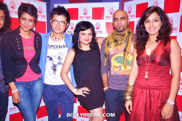 Gul Panag, Meiyang Chang, Aditi Singh Sharma, Raghu Ram - Gul Panag, Mrinalini Sharma and others at Agnee's Bollywood debut gig