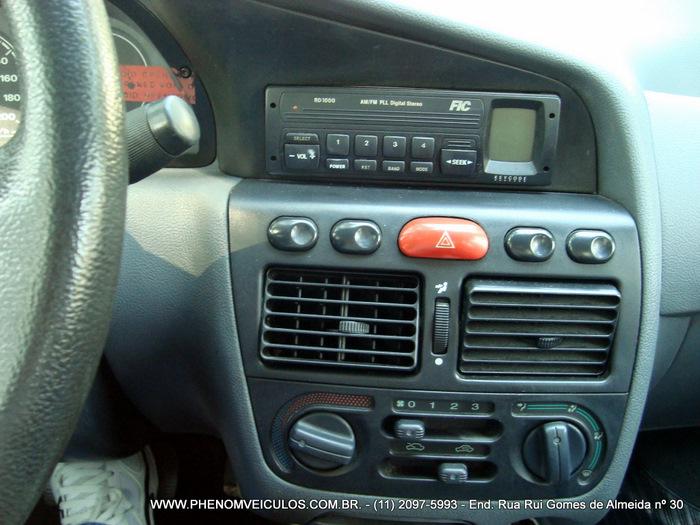 Fiat Palio 1.0 MPI EX 2 Portas 1999 - painel