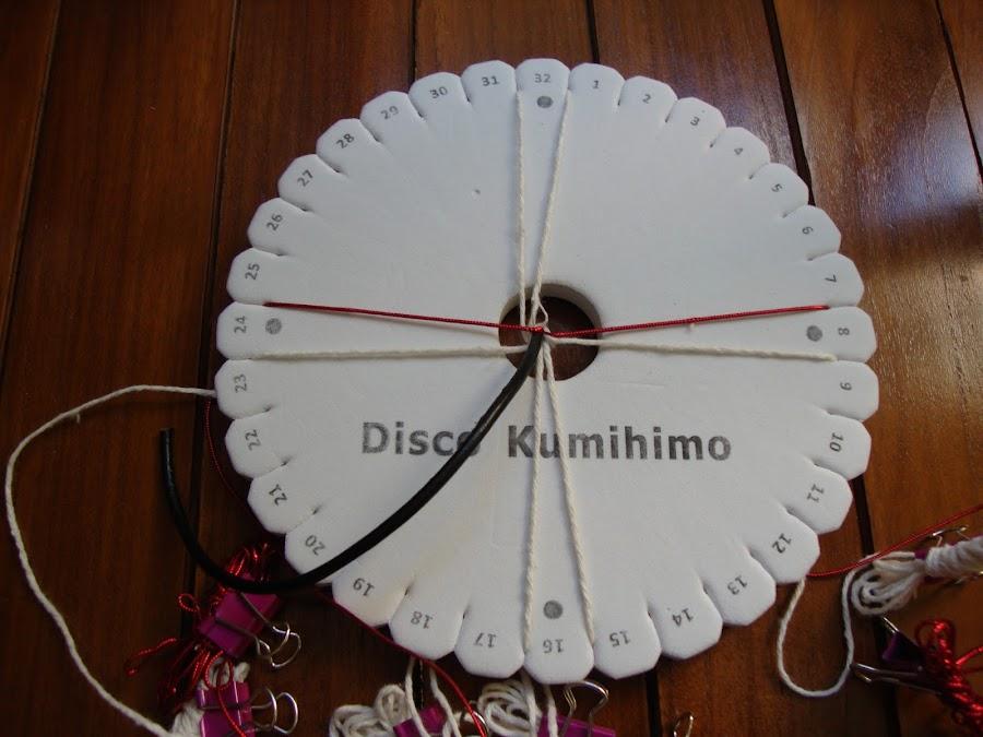 Gargantilla y pulsera hechas con el disco Kumihimo