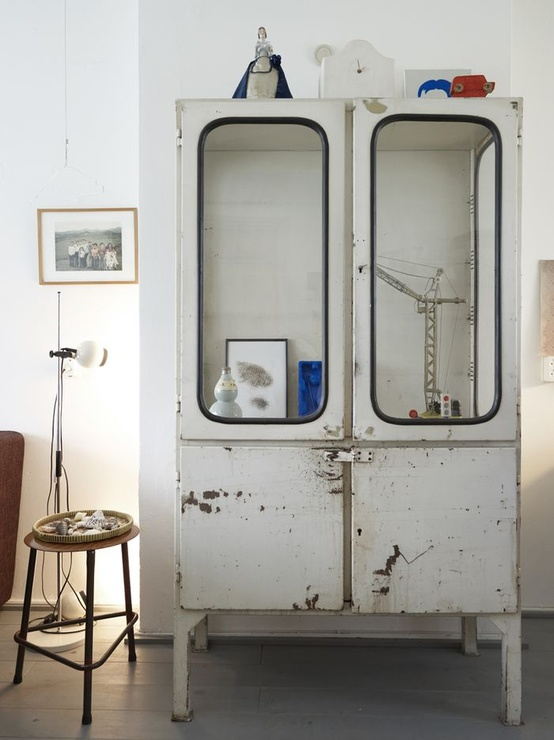 villa vanilla wohnzimmer:Metal Apothecary Cabinet