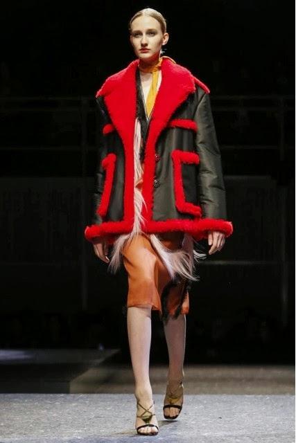 Prada, Prada-Fall-Winter, Prada-fall-winter-womenswear, womenswear, Fall-Winter, pret-a-porter, pret-à-porter, mode, fashion, moda, mode-a-paris, milan-fashion-week, milano-fashion-week, london-fashion-week, mfw, mfw14, mfw2014, fashion-week, paris-fashion-week, pfw, automne-hiver, vetements-en-ligne, prada-eyeglasses, moda-milano, fendi-scarf, womans-clothes, womens-wear, pret-a-porter-feminin, cavalli-watch, creer-son-blog, du-dessin-aux-podiums, dessin-podiums