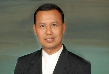 Ahmad Juwaini (Presiden Direktur Dompet Dhuafa)