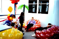 Balloon Chairs4