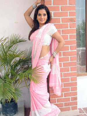 ruthika in saree cute stills