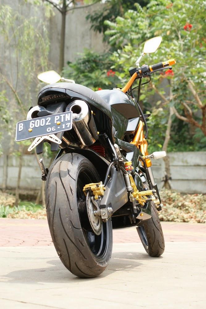 Yamaha Byson Modifikasi Bergaya Ducati Monster 696
