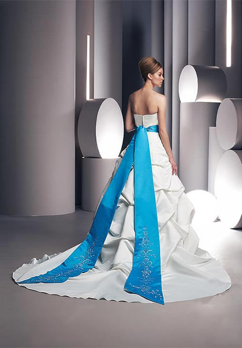 elegant wedding dresses with blue accents