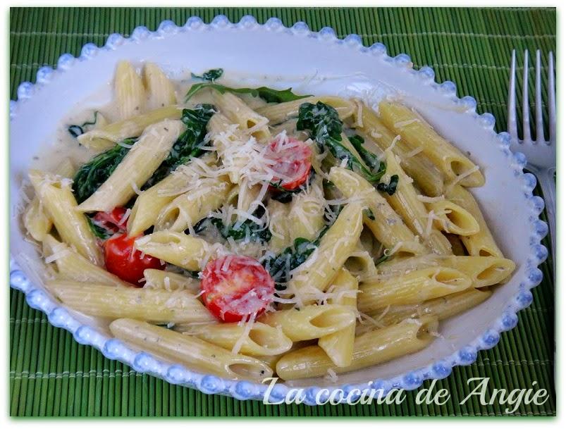 La cocina de angie macarrones con salsa de queso azul - Salsas para pasta con nata ...