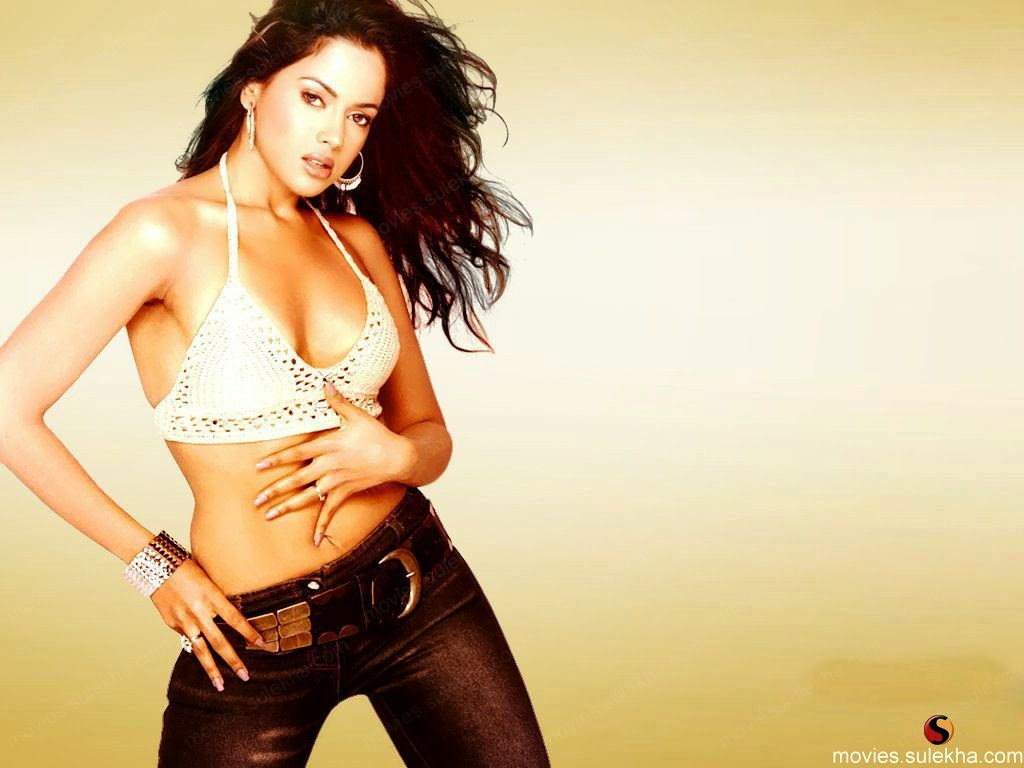 Sameera Reddy hot pose awesome body
