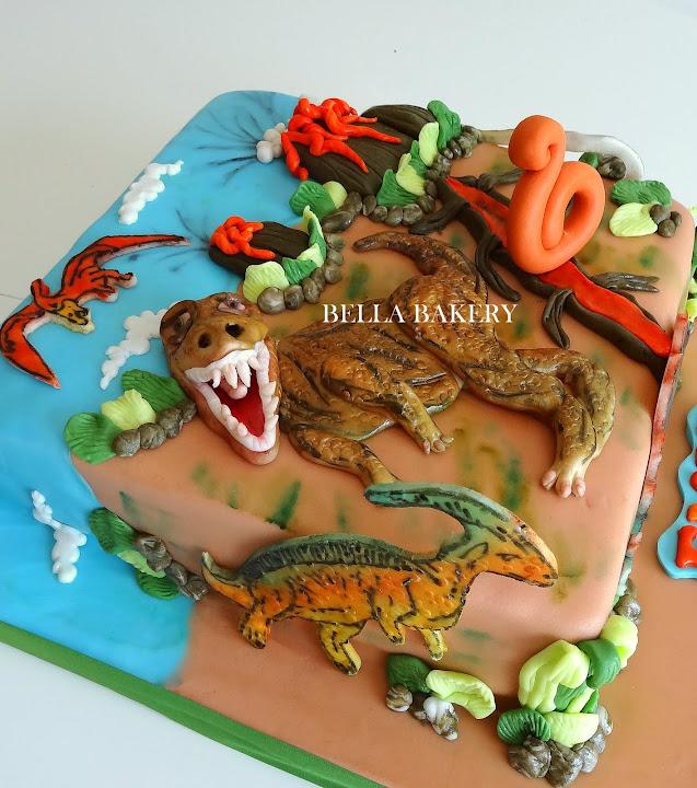 TREX DINOSAURS CAKE