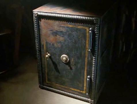 La caja fuerte en la que reposa el cuerpo de Susie (Saoirse Ronan) en The Lovely Bones - Cine de Escritor