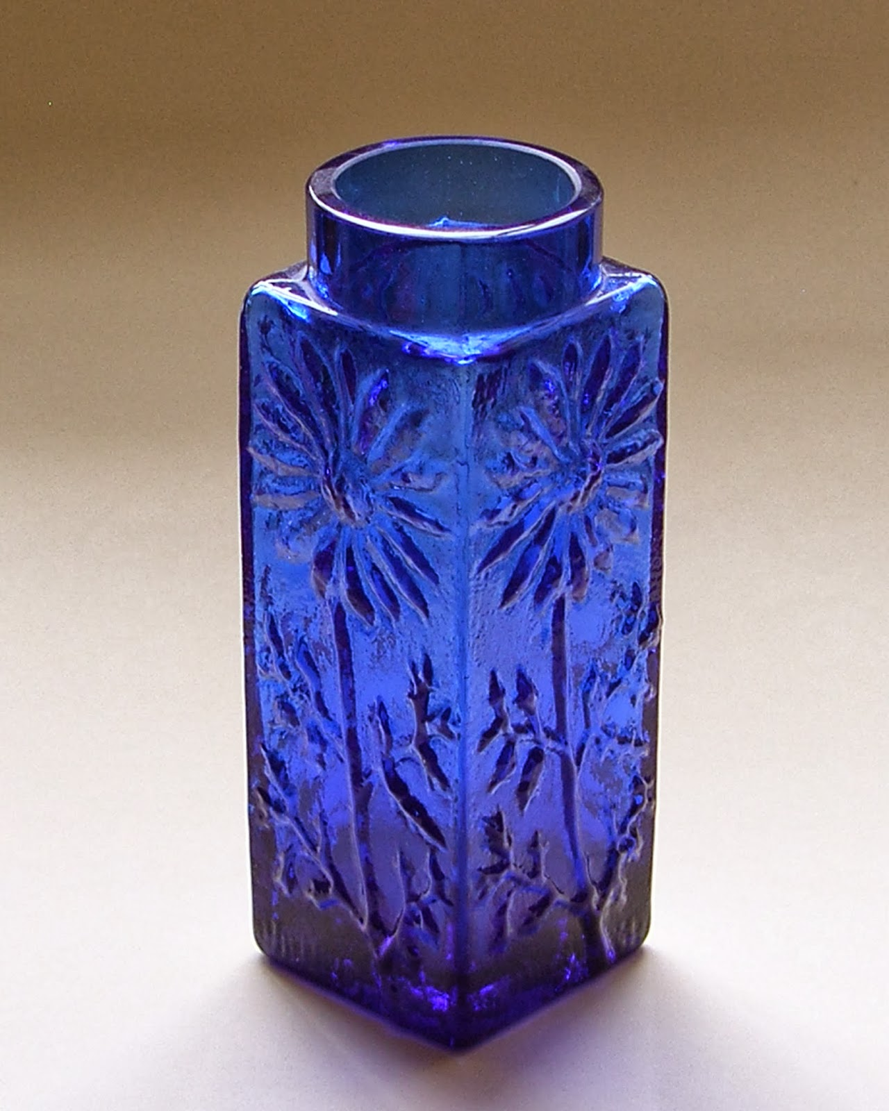 Frank Thrower Glass Designs marguerite vases