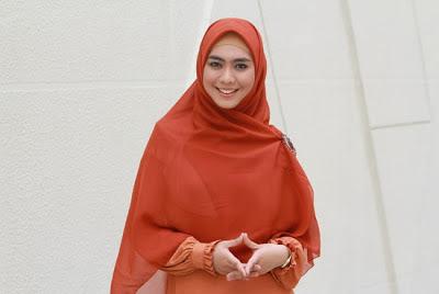 Trend Model Gamis Terbaru 2013 Sesuai Syariah Dari Oki
