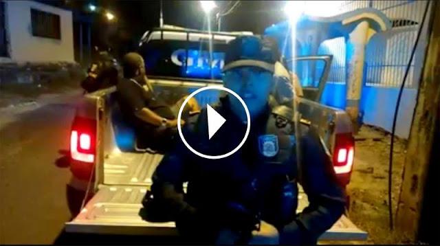 [VÍDEO] Guarda Municipal de Aracaju detém dupla por porte ilegal de arma de fogo