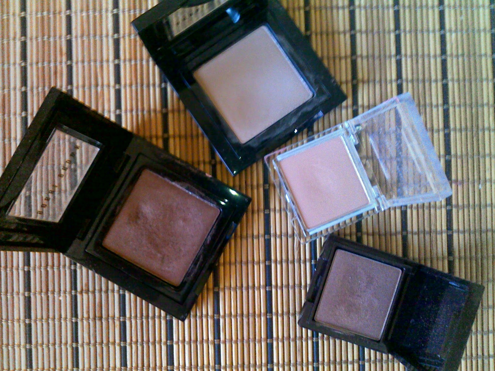 Nude single eyeshadows from Bobbi Brown, Erre Due and Korres