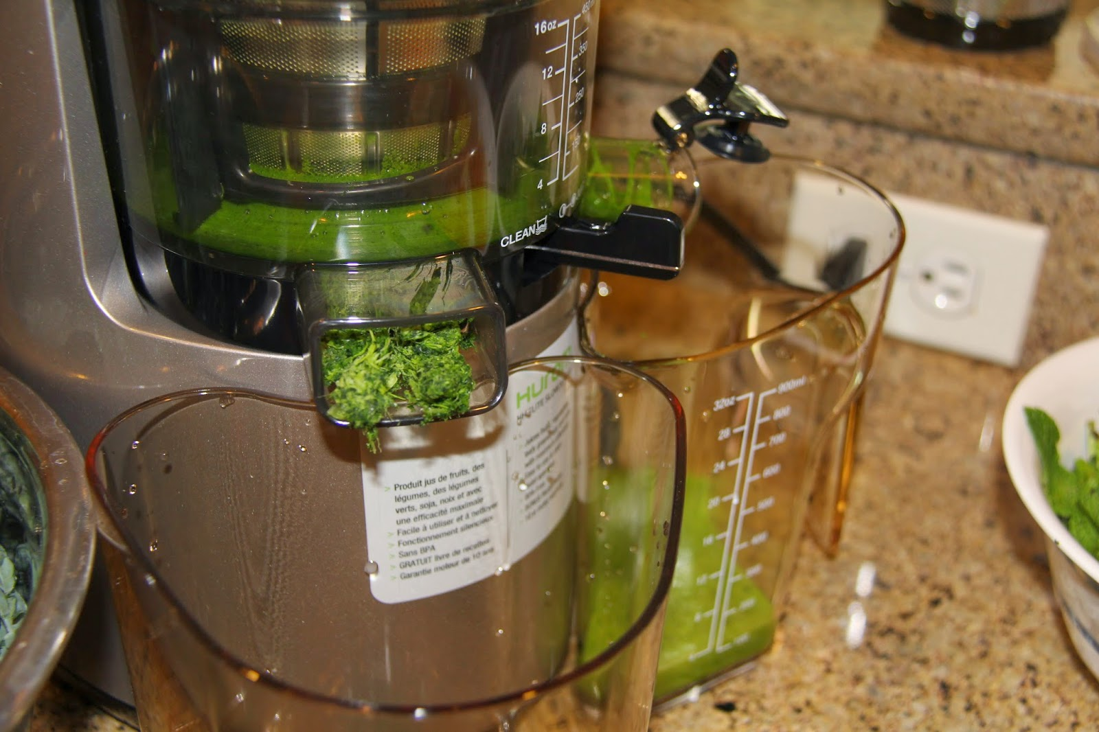 Hurom Slow Juicer Too Much Pulp : The pulp came out nearly dry! I give this juicer 5 stars!
