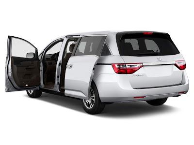 2013 honda odyssey 5dr ex open doors 100405219 l Honda Odyssey 2013 Indonesia   Harga, Spesifikasi Dan Review