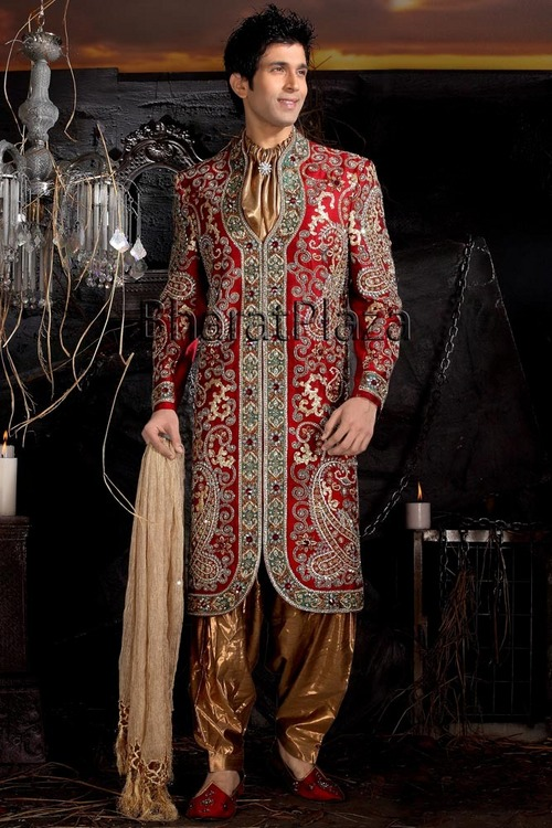 Fashion and style groom sherwani for Indian wedding dresses for men