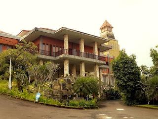 Harga Hotel Bintang 3 Bogor - Bukit Gumati Batutulis Hotel