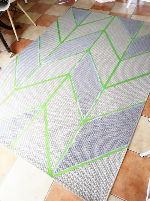 diy painted herringbone rug