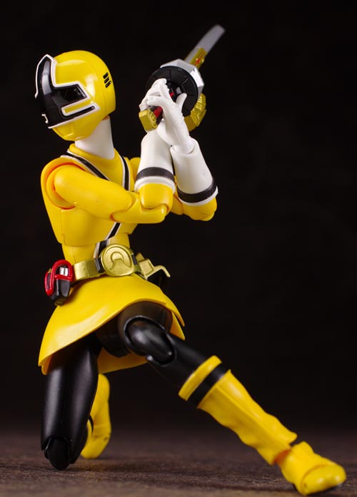 S.H.Figuarts Shinken Yellow figures