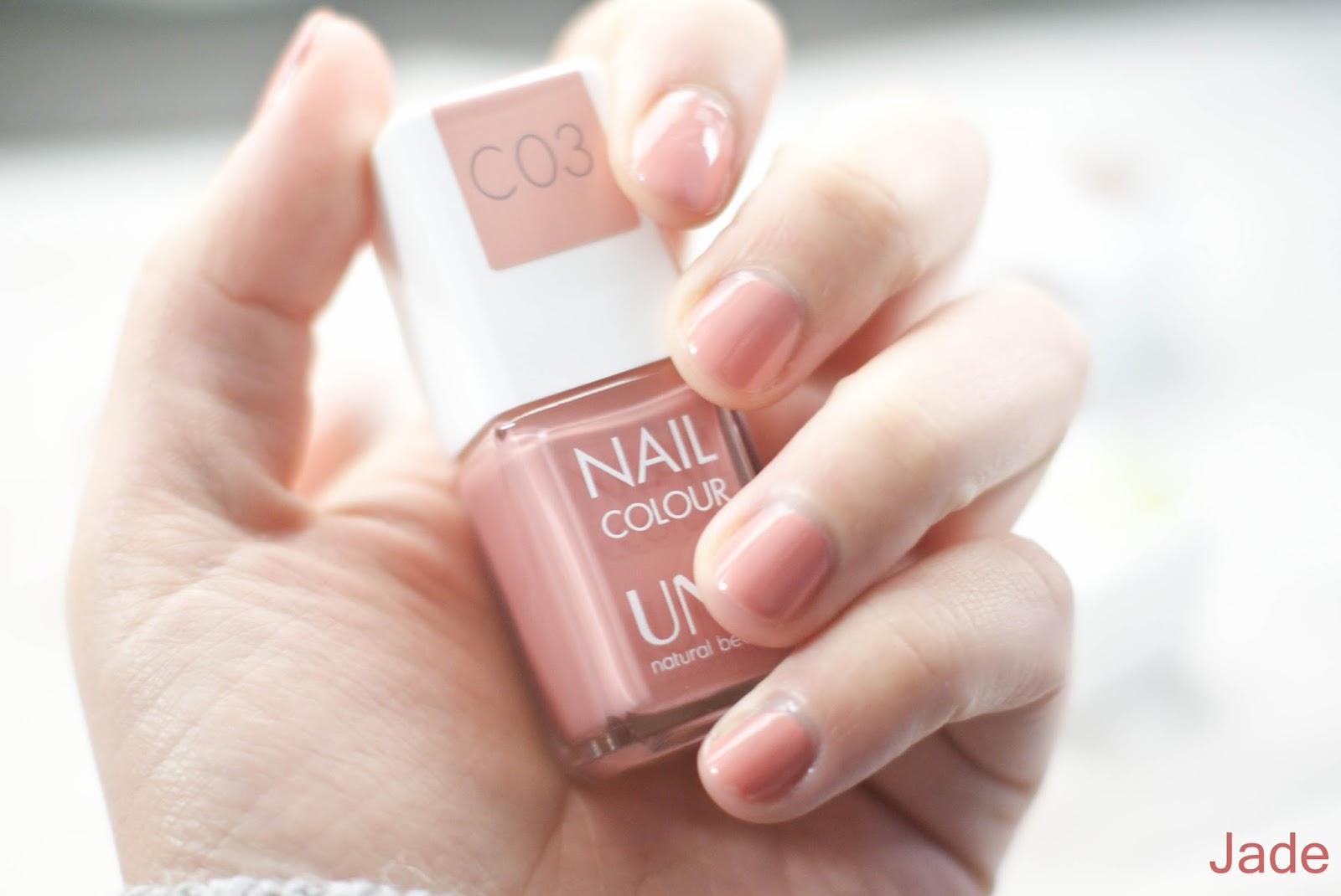 vernis une beauty C03 rose