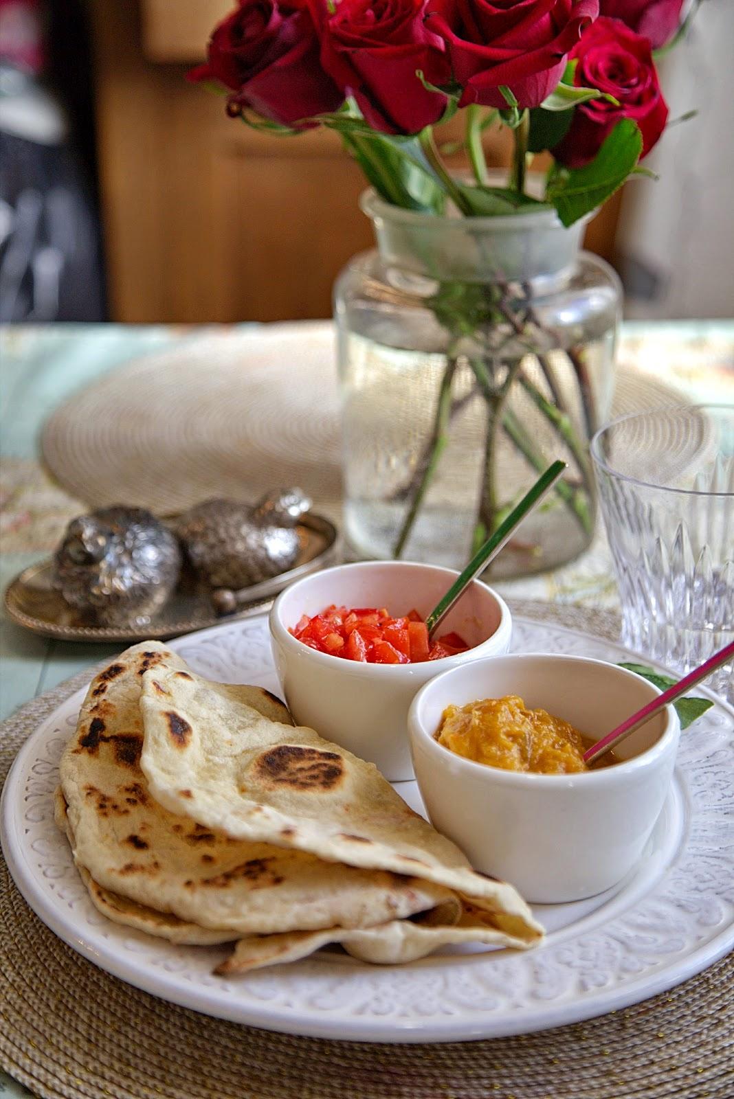 рецепт итальянские лепешки постные с помидорами луком тар тар