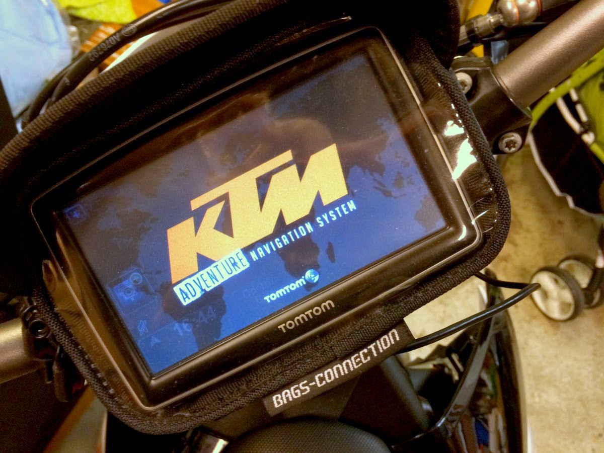 KTM 690 Enduro R with Bags-Connection / SW-Motech GPS mount